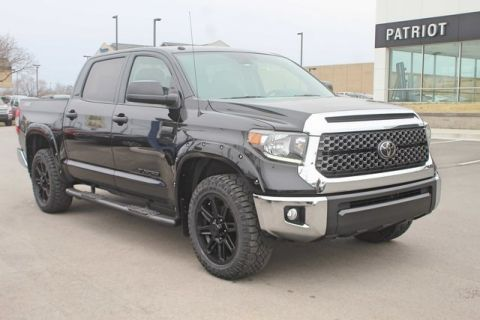Pre-Owned 2019 Toyota Tundra SR5 4WD 4D CrewMax